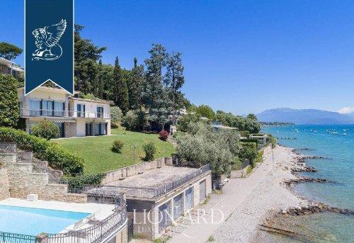 Villa a Padenghe sul Garda