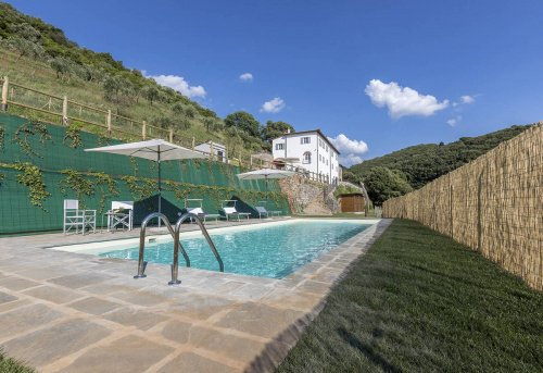 Commercial property in Vecchiano
