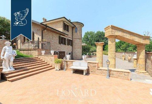 Villa in Giussago