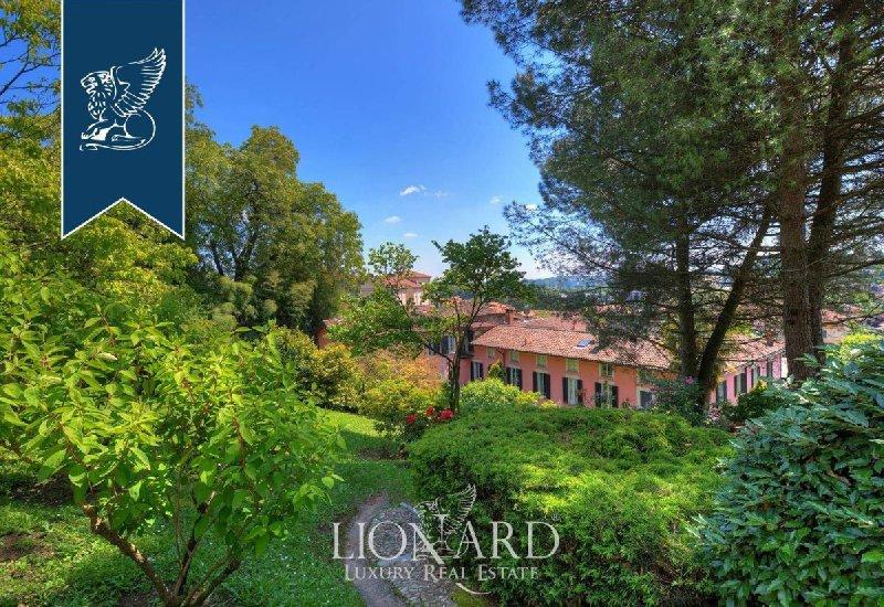 Villa in Albese con Cassano
