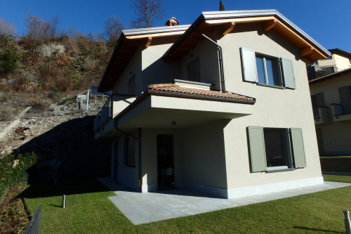 Einfamilienhaus in Carlazzo