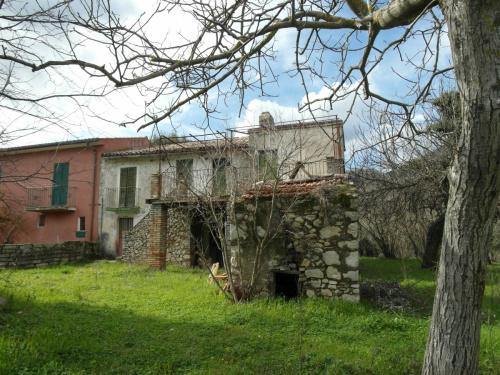Klein huisje op het platteland in Vacone