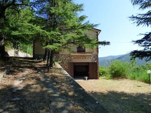 Hus på landet i Montasola