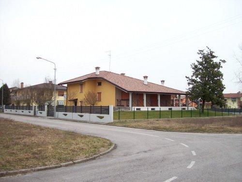 Villa i Morsano al Tagliamento