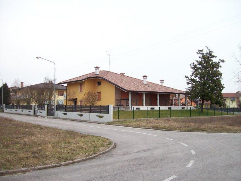 Вилла в Морсано-аль-Тальяменто