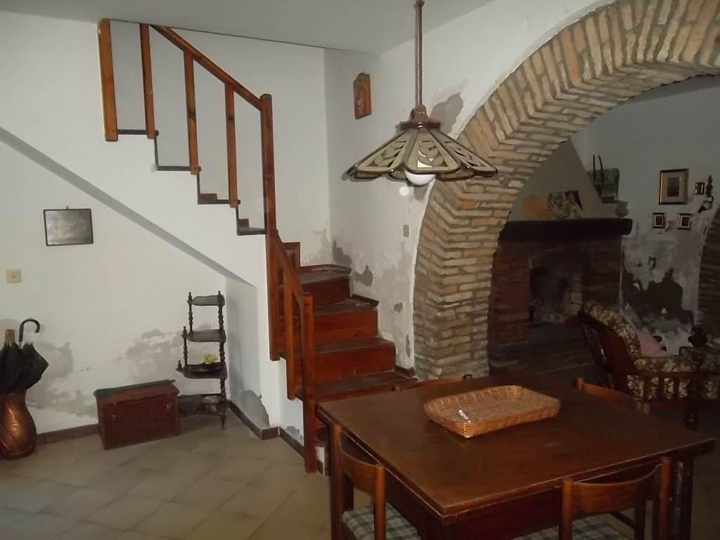 Doppelhaushälfte in Scerni