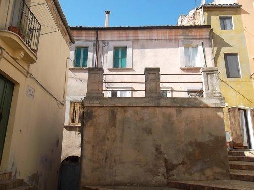 Casa histórica em Scerni