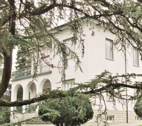 Вилла в Манделло-дель-Ларио