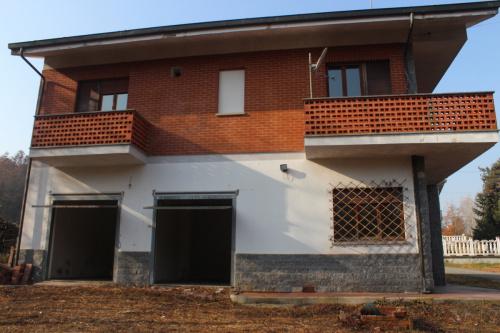 Einfamilienhaus in Baldissero d'Alba