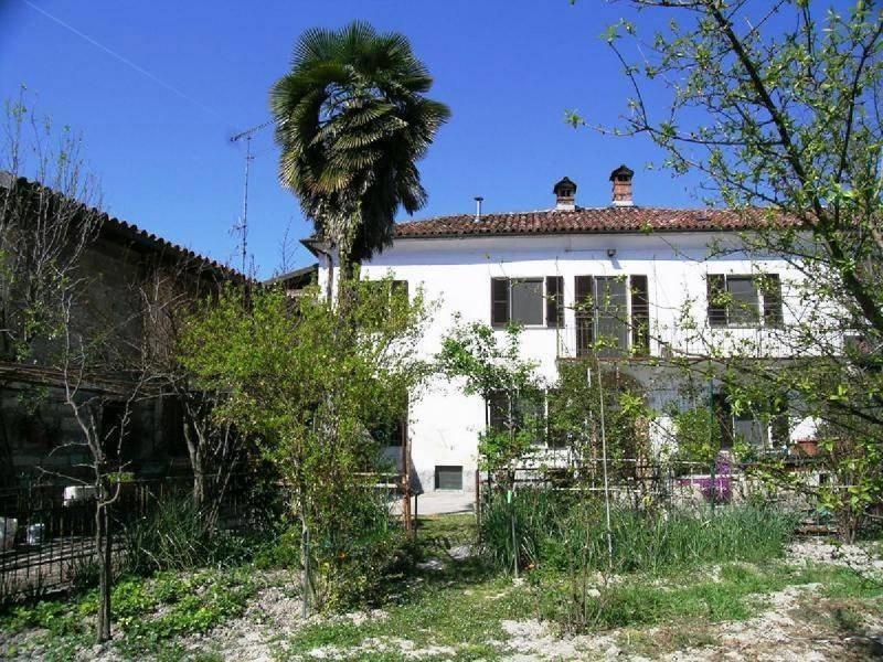 Doppelhaushälfte in Mombello Monferrato