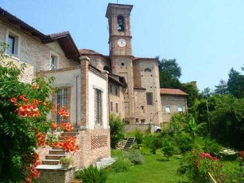 Historiskt hus i Moncestino