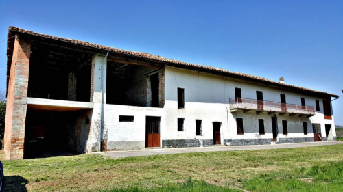 Country house in Montiglio Monferrato