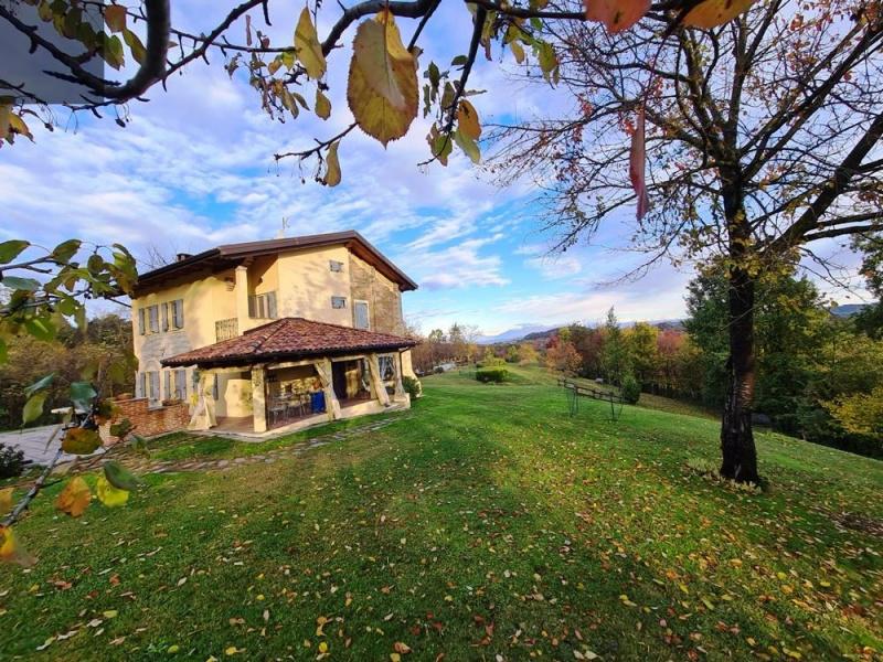 Casa de campo en Castelletto Merli