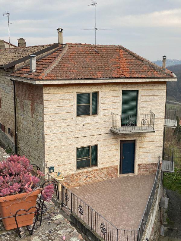 Casa de campo en Serralunga di Crea
