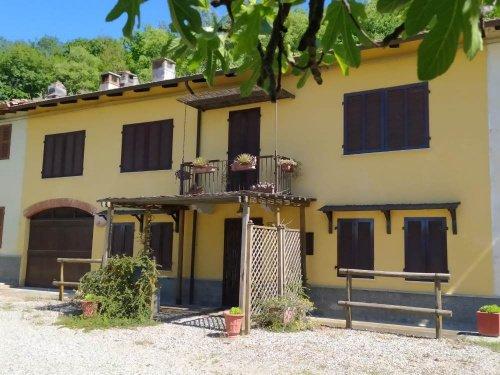 Hus i Alfiano Natta