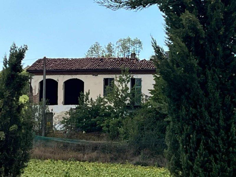 Haus in Castell'Alfero