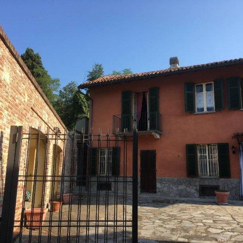 Villa i Vignale Monferrato