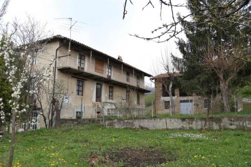 Bauernhaus in Cossano Belbo