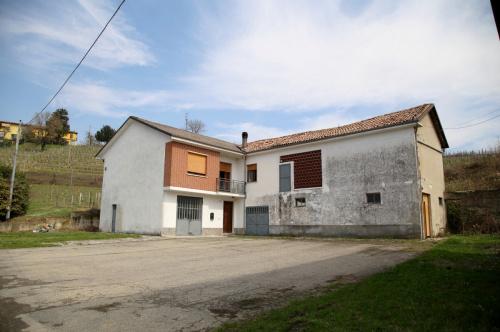 Bauernhaus in Canelli