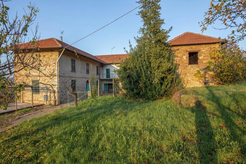 Bauernhaus in Perletto