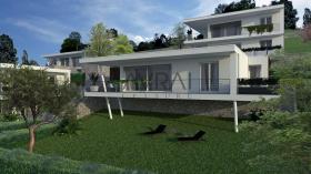 Detached house in Riva di Solto