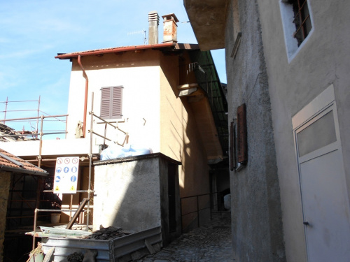 Особняк из двух квартир в Поньяна-Ларио