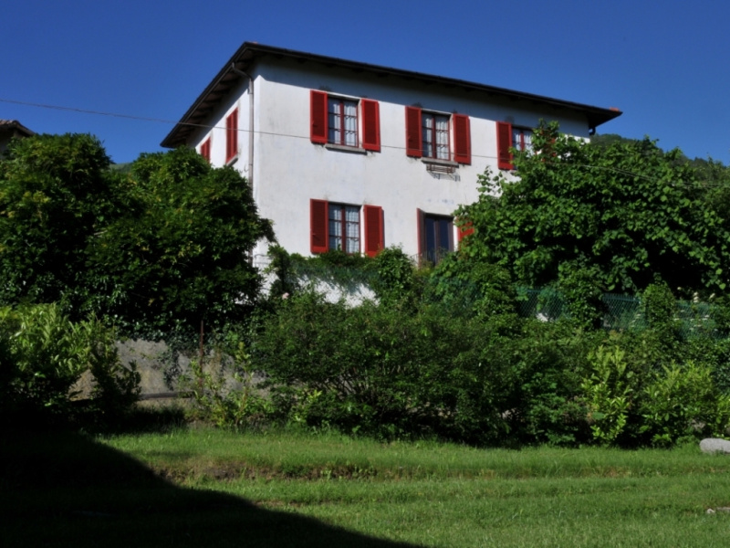 Detached house in Veleso