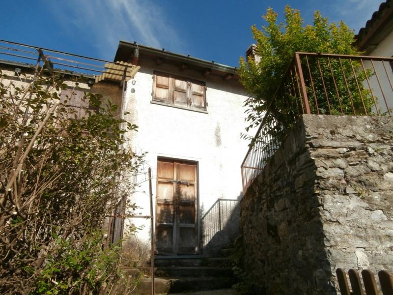 Apartment in Torno