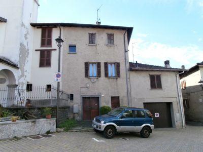 Semi-detached house in Zelbio