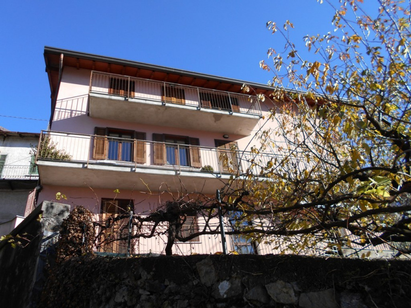 Self-contained apartment in Nesso