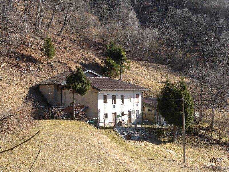 Farmhouse in Veleso