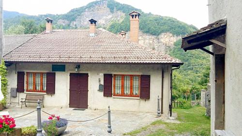 House in Monchio delle Corti
