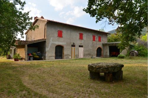 Klein huisje op het platteland in Loro Ciuffenna