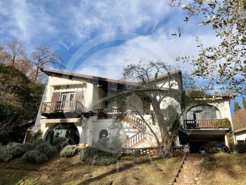 Villa à Gardone Riviera