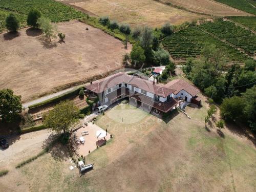 Einfamilienhaus in Santo Stefano Belbo