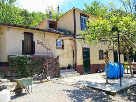 Huis op het platteland in Genua