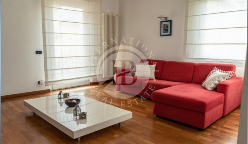 Self-contained apartment in Lerici