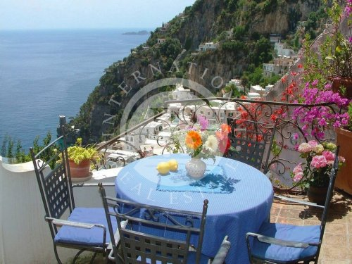 Self-contained apartment in Positano