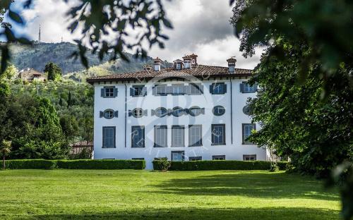 Apartment in Lucca