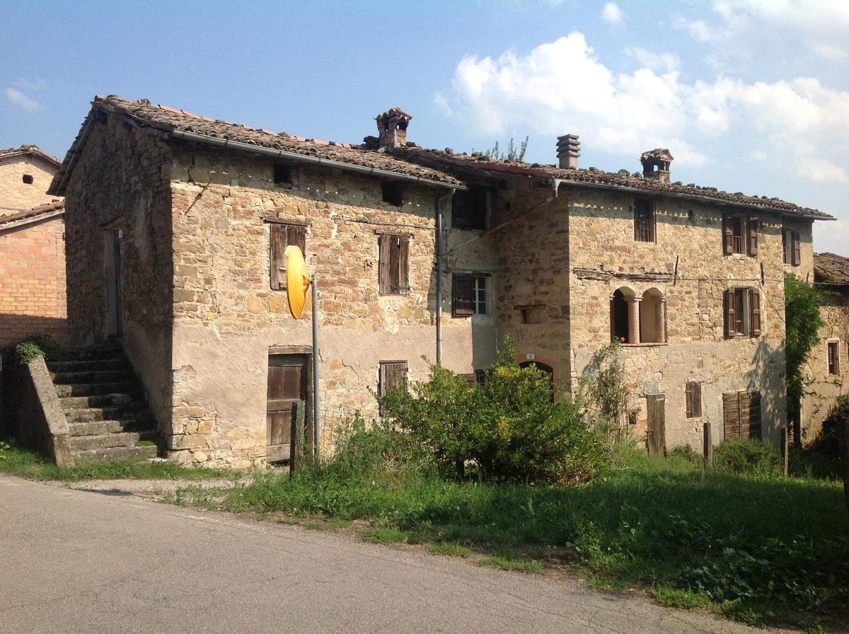 Casa di campagna a Canossa