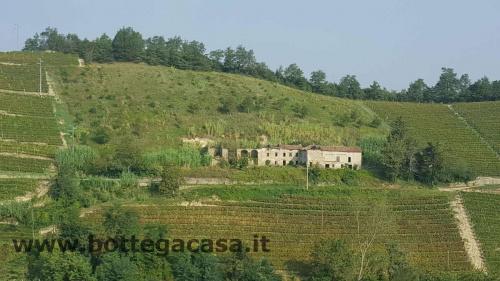 Landhaus in Santo Stefano Belbo