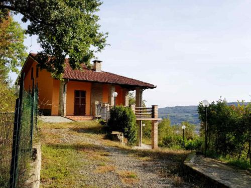 Hus på landet i Bistagno
