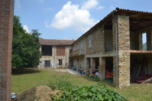 Hus på landet i Monastero Bormida
