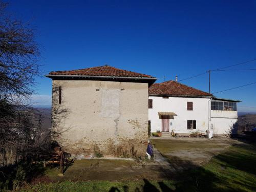 Casa indipendente a Santo Stefano Belbo