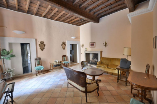 Historic apartment in Orte