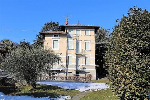 Villa in Lesa