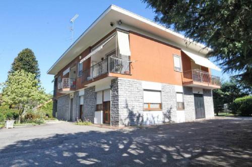 Villa a Fontaneto d'Agogna