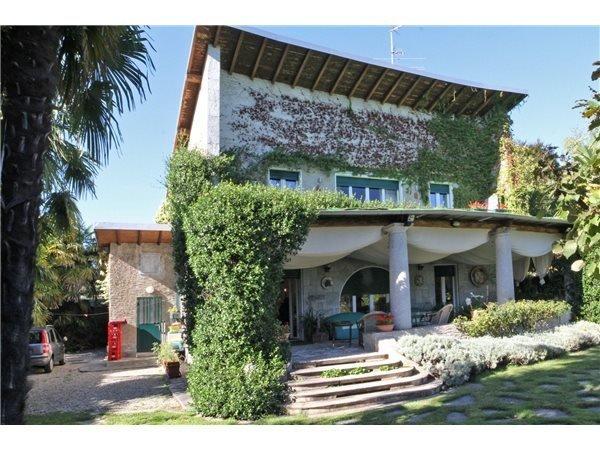 Villa a Lesa