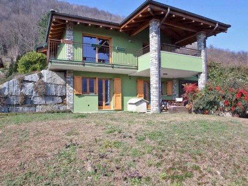 Villa in Brovello-Carpugnino