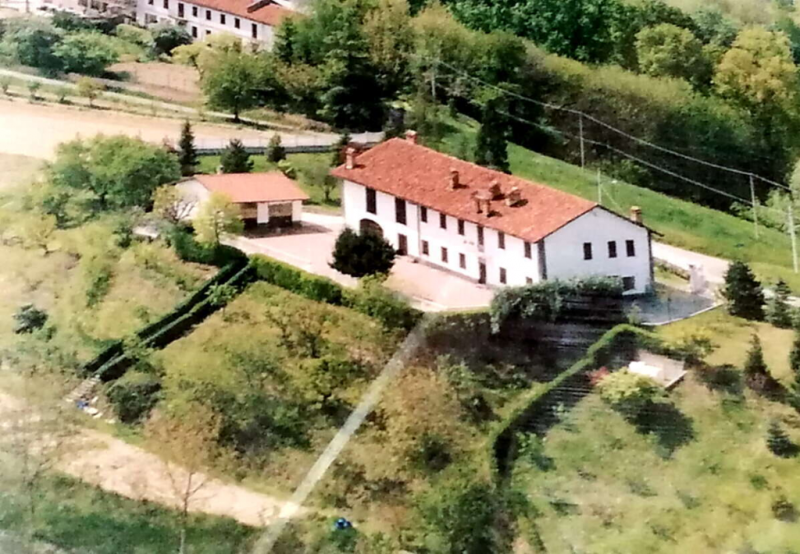 Casa di campagna a San Damiano d'Asti